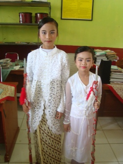 kartini junior daon3